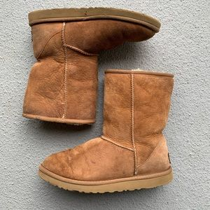 Ugg Mid Calf Boots Size 7